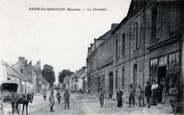 80. SOMME - SAINS EN AMIENOIS. La Chaussée. (Attelage, Café) - Autres Communes
