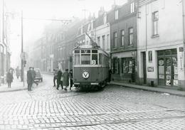 Tramways De Lille. Fives. Rue Pierre Legrand. Cliché Jacques Bazin. 14-02-1959 - Tramways