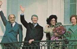 Mexico President Portillo & US President Jimmy Carter Meet February 1977, C1980s Vintage Postcard - People