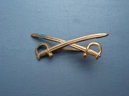 Insigne  2 épées à Identifier Une Attache - Sonstige