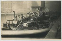 Carte Photo Du Remorqueur Guêpe . Batellerie . - Tugboats