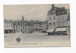 CPA 27 Les Andelys L' Hôtel De Ville Et La Place - Les Andelys
