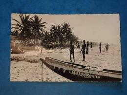 Togo, Lomé, Pêcheurs Sur La Côte, Pirogues, Ed. Librairie évangélique Du Togo N°20, N'a Pas Circulé, Dos Divisé, Bon éta - Togo