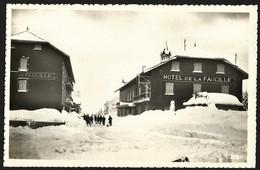 CPA-FRANCE-HOTEL DE LA FAUCILLE-- Les Gens Sortent De La Neige--Qualite - France