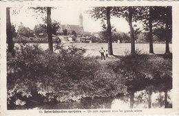 SAINT SEBASTIEN SUR LOIRE   Un Coin Reposant Sous Les Grands Arbres  Circulée Timbrée 1942 - Saint-Sébastien-sur-Loire