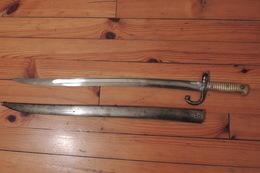 """Très Belle Baïonnette Chassepot """"manufacture D'armes De Châtellerault"""" Avec Fourreau Même Numéro - Knives/Swords"""