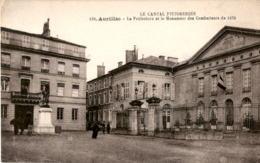 D15  AURILLAC  La Préfecture Et Le Monument Des Combattants De 1870  ..... - Aurillac