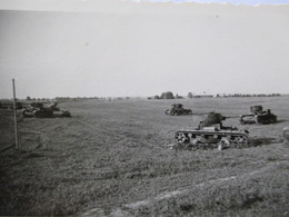 Lot 2 Photographies Originales    CHARS  D'ASSAUT  - Blindés -   9 X 6  - TBE - Vehículos