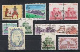 PAKISTAN:  1967/89  VARI  -  INSIEME  13  US. -  MICHEL  245//755  + 2  SERVIZI - Pakistan
