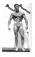 PHOTO  HOMME EN MAILLOT DE BAIN CULTURISTE CULTURISME  ANDRE CURNIER PHOTO DEMEILLES 28 X 17.50 CM - Sports