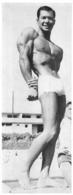 PHOTO  HOMME EN MAILLOT DE BAIN CULTURISTE CULTURISME 23.50 X 9 CM - Sports