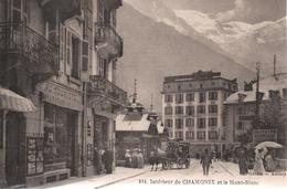 Cpa B71 CHAMONIX Intérieur Et Le Mont Blanc-hôtel-magasins-PUB DEUTSCRE BIERHALLE-belle Animation - Chamonix-Mont-Blanc