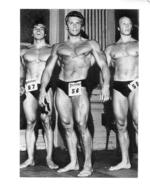 PHOTO  HOMMES EN MAILLOT DE BAIN CULTURISTE CULTURISME CONCOURS  13 X 10 CM - Sports