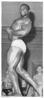 PHOTO HOMME EN MAILLOT DE BAIN CULTURISTE CULTURISME 28 X 12.50 CM - Sports