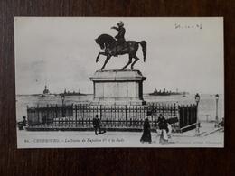 L19/163 Cherbourg. La Statue De Napoleon 1er Et La Rade - Cherbourg