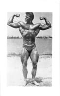 PHOTO  HOMME EN MAILLOT DE BAIN CULTURISME CULTURISTE  17 X 10.50 CM - Sports
