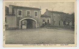 VOUILLÉ LA BATAILLE - Place De L'Hôtel De Ville - Francia