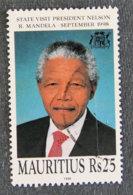 ILE MAURICE - MAURITIUS - 1998 - YT 907 - VISITE NELSON MANDELA - Mauritius (1968-...)