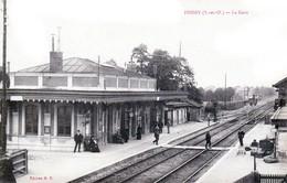 Poissy - La Gare Intérieure - Très Beau Plan Animé - Poissy