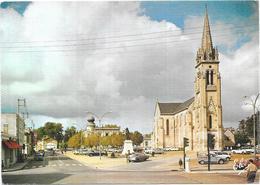 MERIGNAC - 33 - La Place Et L'Eglise - BES3/SAL1 - - Merignac
