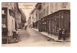 38 Beaurepaire Rue De La République Cpa Carte Animée Cachet Beaurepaire - Beaurepaire
