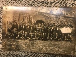 Antica Fotografia GIL Balilla Gruppo In Divisa Camicia Nera Bandiere Torino Originale - Guerre, Militaire