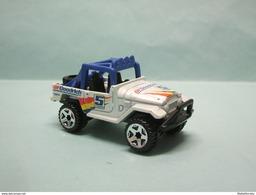 Hot Wheels - TOYOTA LAND CRUISER FJ40 Blanc - 2011 HW Performance HOTWHEELS 1/64 - HotWheels
