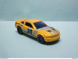 Hot Wheels - '07 FORD SHELBY GT-500 2007 - 2012 Code Cars HOTWHEELS 1/64 - HotWheels