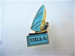 PINS  SPORTS PLANCHE A VOILE  RIZLA + / 33NAT - Voile
