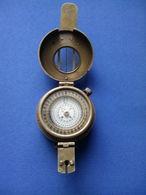 BOUSSOLE DE L'ARMEE BRITANNIQUE T.G C° LTD LONDON NA 266322 1940 MKIII IDENTIQUE A L'ORIGINAL VOIR SCAN - Equipement