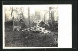 Foto-AK Soldaten Als Köhler Im Wald - Oorlog 1914-18