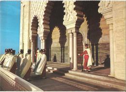 RABAT - Le Mausolée Mohammed V - La Relève De La Garde Royale - Rabat