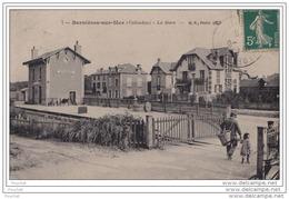14) BERNIERES SUR MER - LA GARE  - (ANIMEE) - Frankrijk