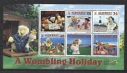 91815) ALDERNEY 2000 Wombling Vacanza-THE Wombles In Miniatura Foglio -IN BF-MNH** - Alderney