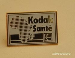 Ancien PIN'S : KODAK Santé - Fotografie