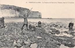 14. N°53782.VIERVILLE SUR MER. Chasseur.  La Percée Et La Fosse De La Pêcherie. Vues De La Moullière - France