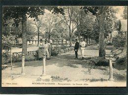 CPA - MOURMELON LE GRAND - Baraquements - La Grande Allée, Animé - Casernes