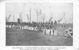 """¤¤  -  ETATS-UNIS  -  OKLAHOMA  -  Une Tribu D'Indiens Se Prépare à Exécuter La """" Danse Du Soleil """"   -  ¤¤ - Etats-Unis"""