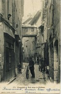 8951 - Savoie - CHAMBERY : RUE  BASSE  DU  CHATEAU PASSERELLE DISPARUE  -     Circulée En 1902 - Chambery