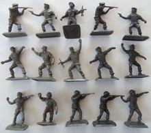 Lot 15 Petits Soldats Militaires Marque Bonux - Army