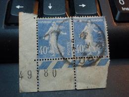 2 Timbres Attachés Avec Bandes Et Numéroté Semeuse Fond Plein Sans Sol 40 C Outremer Type II1928 - Oblitérés