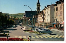 CPM, (15), AURILLAC, Place Du Square Et Les Hotels, écrite, Non Timbrée, Voitures, AL, Ami 8 - Aurillac