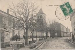 U15-16) ANAIS (CHARENTE)  RUE ET PLACE DE L' EGLISE - (ANIMEE) - Other Municipalities