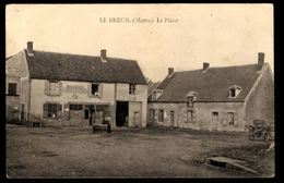 51 - LE BREUIL (Marne) - La Place - Andere Gemeenten