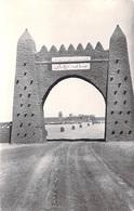 Afrique- ALGERIE (région Saoura) ADRAR Porte De Reggan (Reggane)(Editions R.DELAYANCE Colomb Béchar N°18)*PRIX FIXE - Algeria