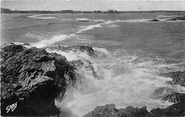 ¤¤  -  QUIMIAC-en-MESQUER   -  Effet De Vague Au Fort De Beaulieu   -  ¤¤ - Mesquer Quimiac