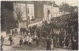 Photo Carte - Enterrement à Pont Sur Yonne De Mr Léchaudel En 1933 - Pont Sur Yonne