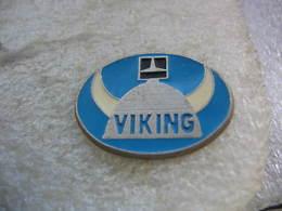 Pin's D'un Casque De Viking - Pin's