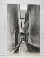 Beauvais. Vieilles Maisons Rue Du Cloître St-Sauveur - Beauvais