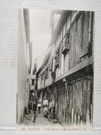 Beauvais. Vieilles Maisons Rue Des Cuvettes - Beauvais